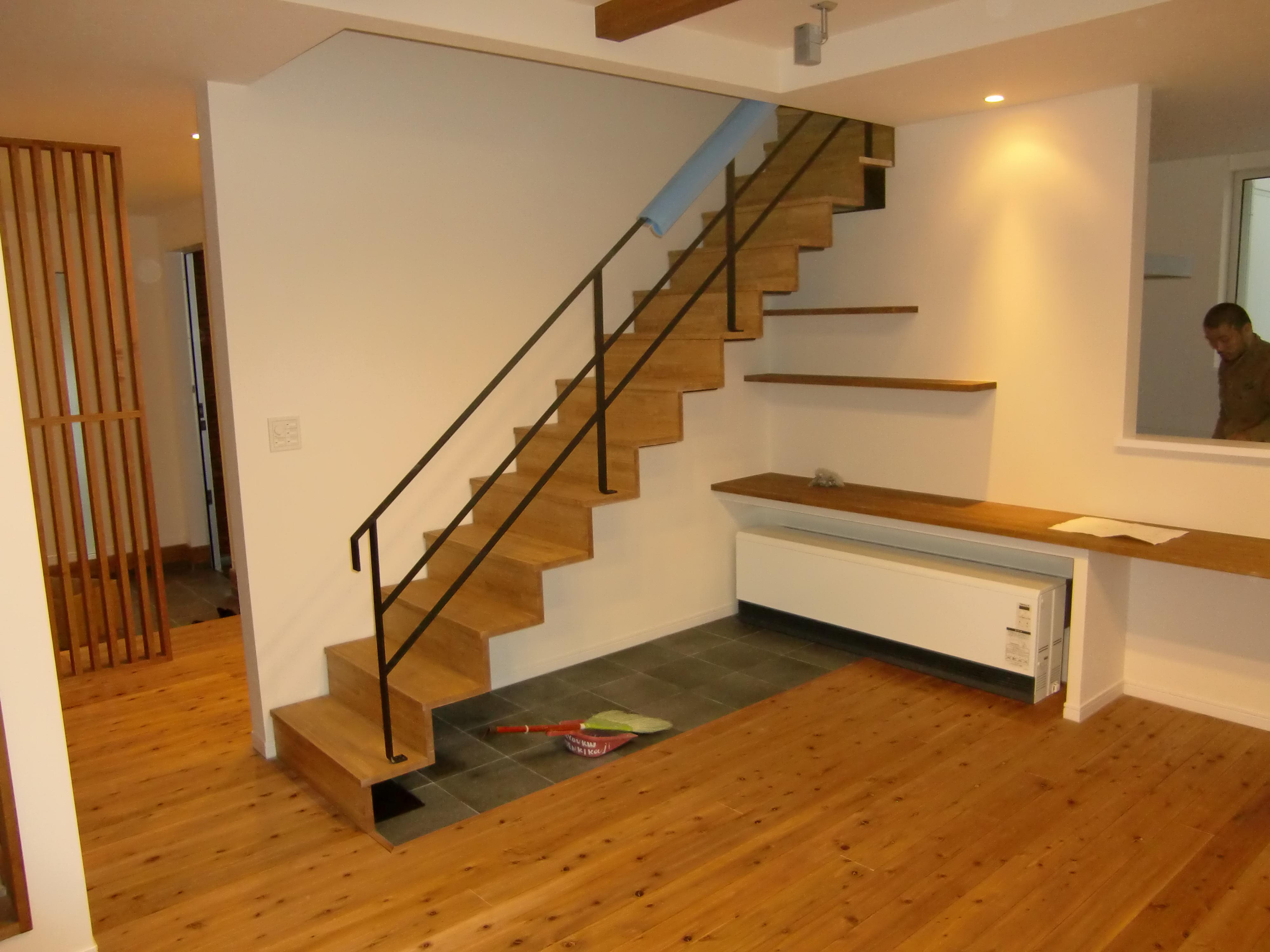 ササラ板のないデザイン鉄骨階段