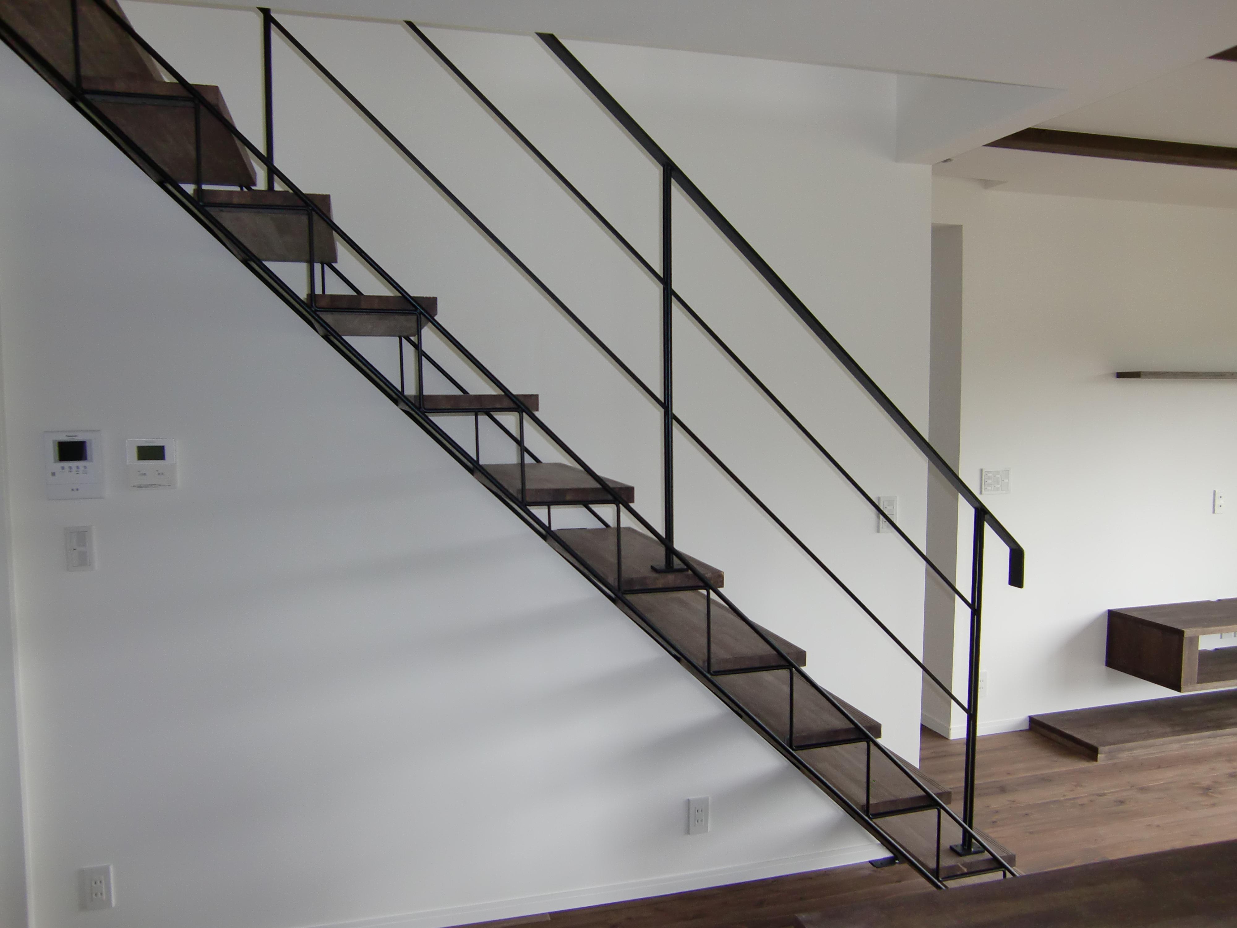 ラチス型デザイン鉄骨階段
